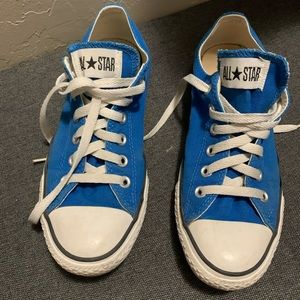 Nice pair of Converse in good used condition so 9